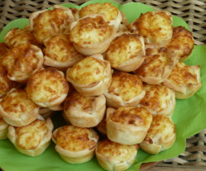 mini sajtoskosár